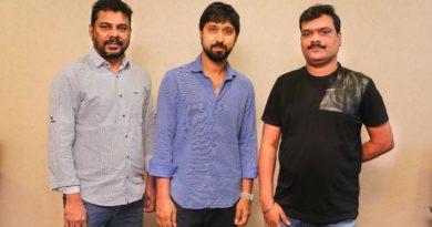 'క్యాష్ క్యాష్' చిత్రం లోని నోట్లరద్దు గీతాన్ని విడుదలచేసిన దర్శకుడు 'బాబీ'